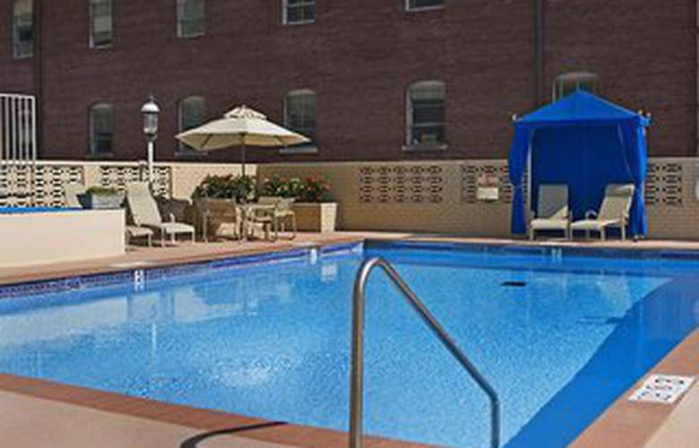 Holiday Inn Select Downtown Memphis - Pool - 3