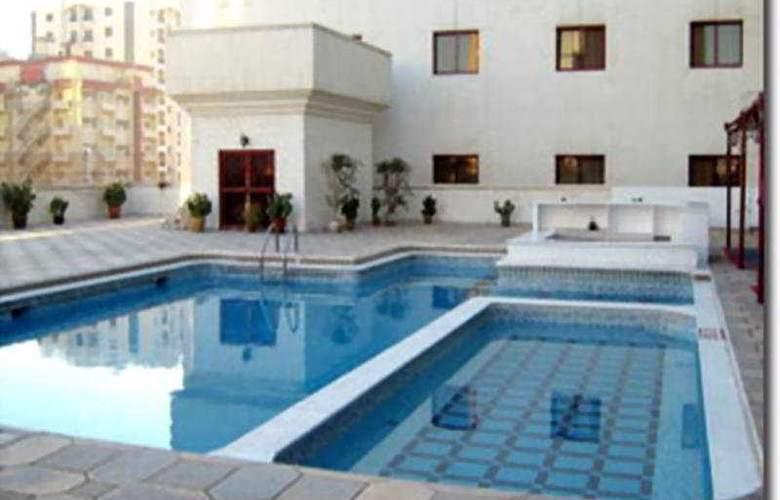 Ramee Baisan Hotel Bahrain - Pool - 4