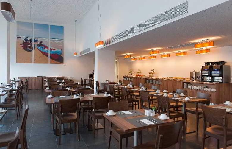 Eurostars Oasis Plaza - Restaurant - 47