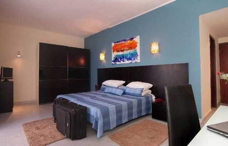 St. Julian's Bay - Room - 3