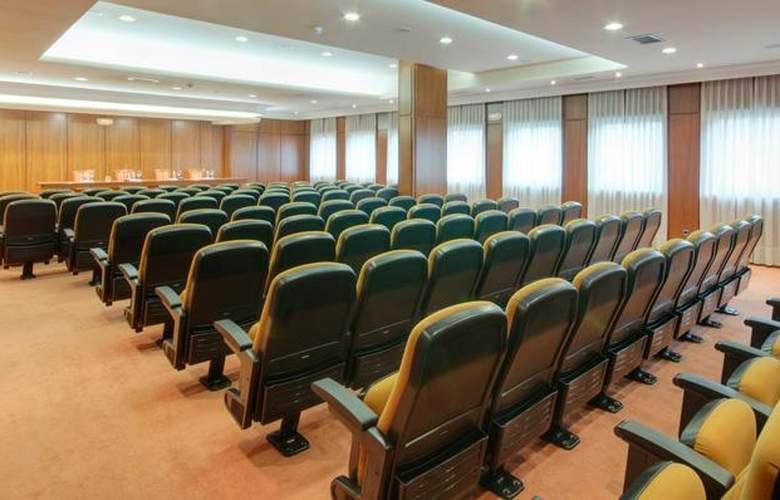 Tryp Santiago - Conference - 26