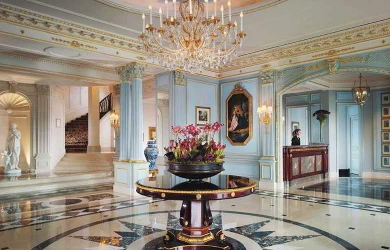 Hotel Four Seasons Des Bergues - General - 1