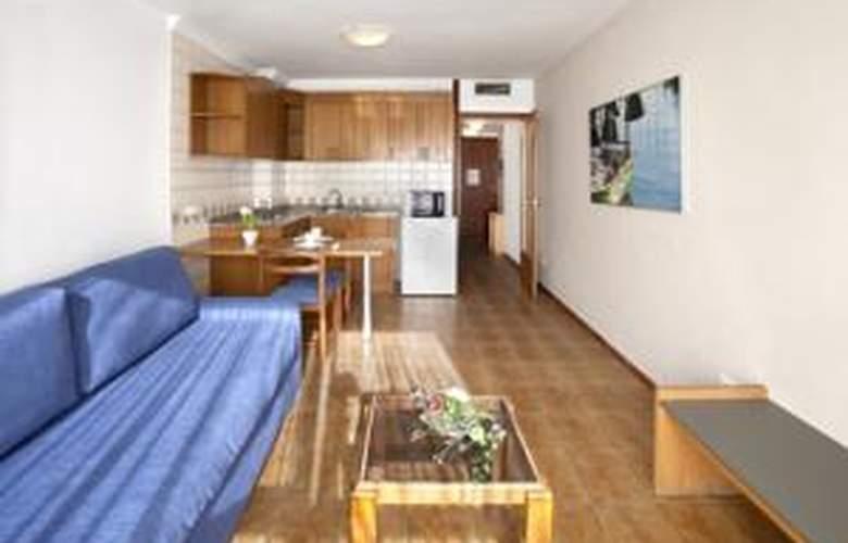 Apartamentos Arago - Hotel - 2