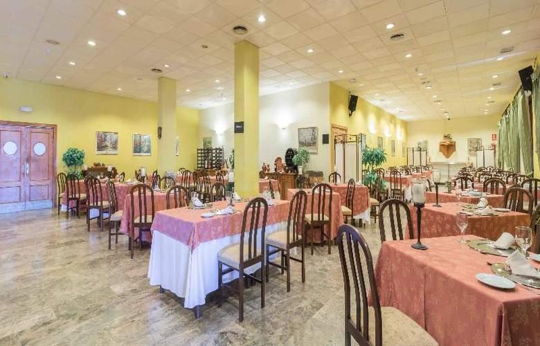 Hotel Los Templarios - Restaurant - 8