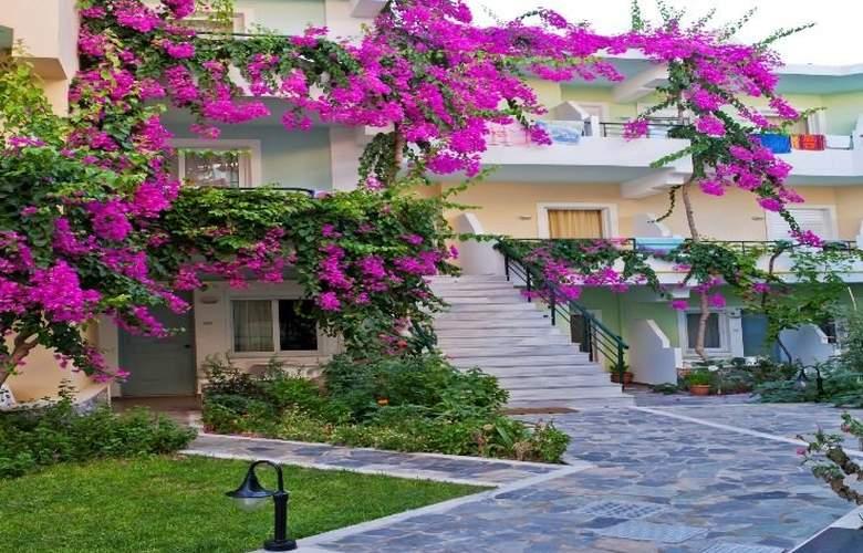 Dedalos Beach Hotel - Hotel - 0