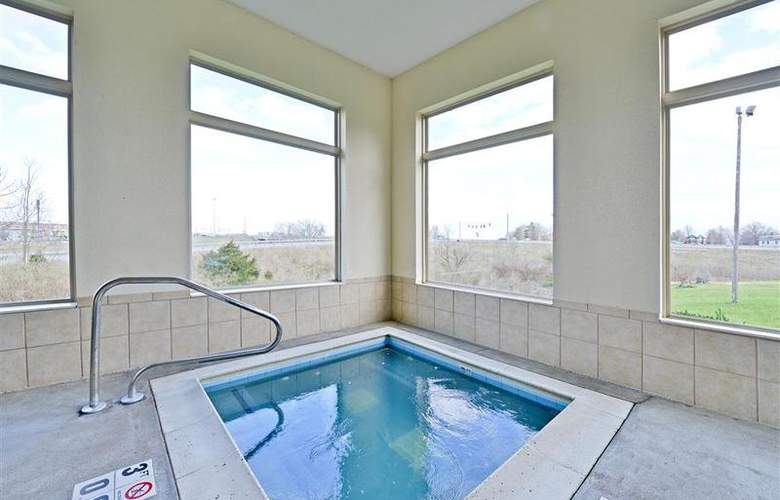 Best Western Holiday Plaza - Pool - 59