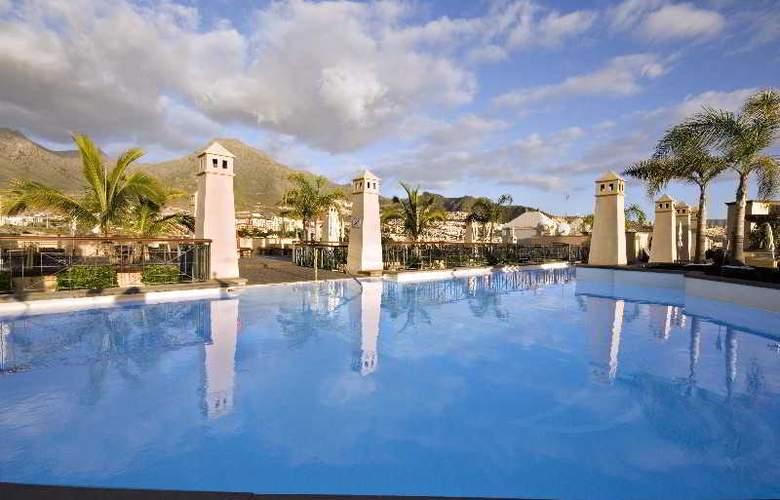 GF Gran Costa Adeje - Pool - 22