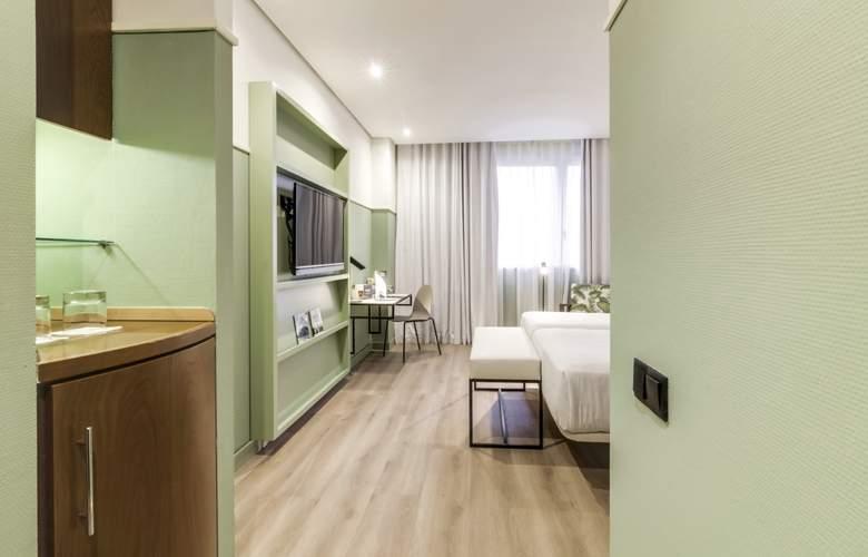 Sercotel Acteon Valencia - Room - 11
