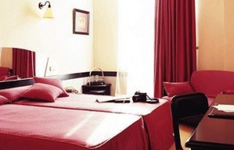 City House Torrelavega - Room - 4