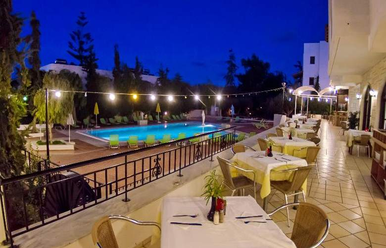 Club Lyda Hotel - Restaurant - 26