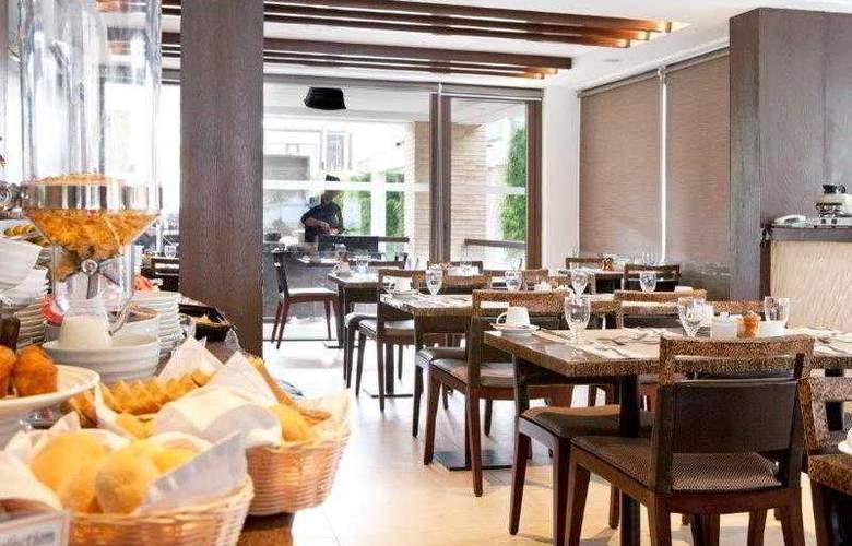 The District Boracay - Restaurant - 23