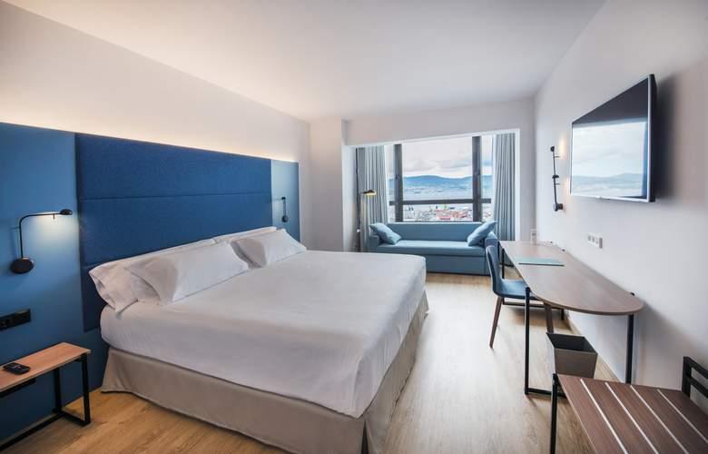 Occidental Vigo - Hotel - 0