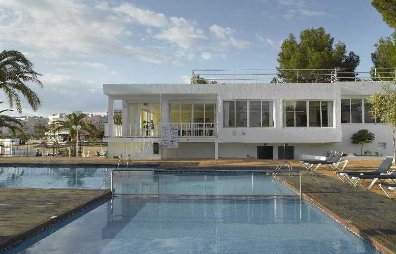 Fiesta Hotel Milord - Pool - 3