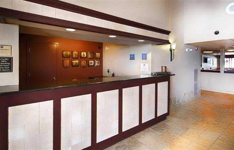 Best Western West Towne Suites - Hotel - 31