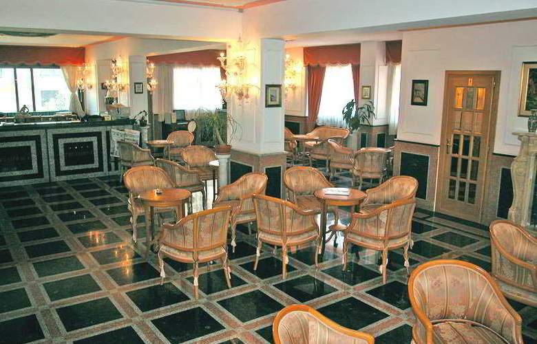 President Hotel - General - 5