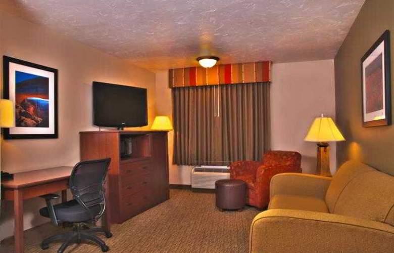 Best Western Town & Country Inn - Hotel - 49