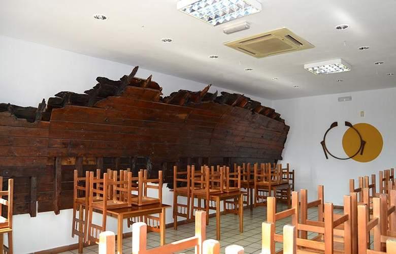 RK El Cabo - Restaurant - 13