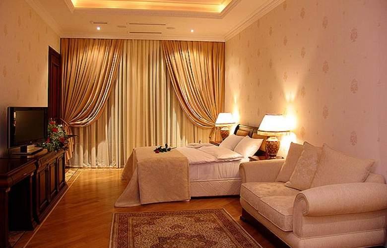 Ayf Palace - Room - 12