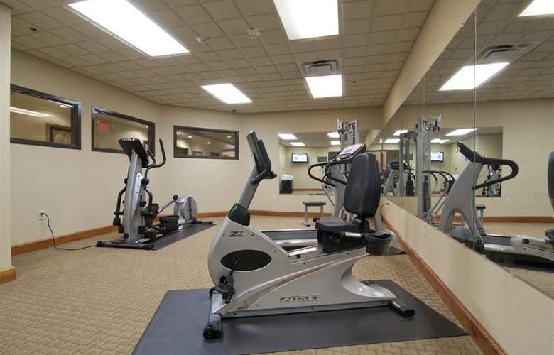 Best Western Plus Coon Rapids North Metro Hotel - Sport - 74