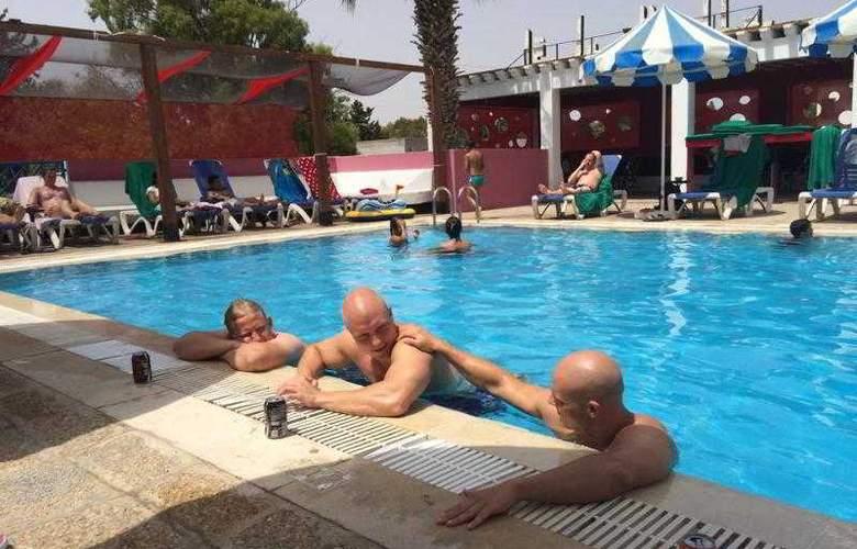Residence La Paix - Pool - 39