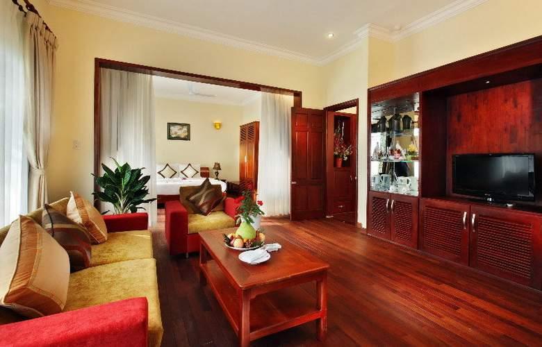 Golden Coast Resort & Spa - Room - 10