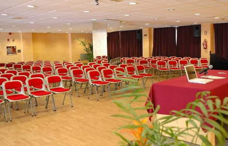 Servigroup Papa Luna - Conference - 4