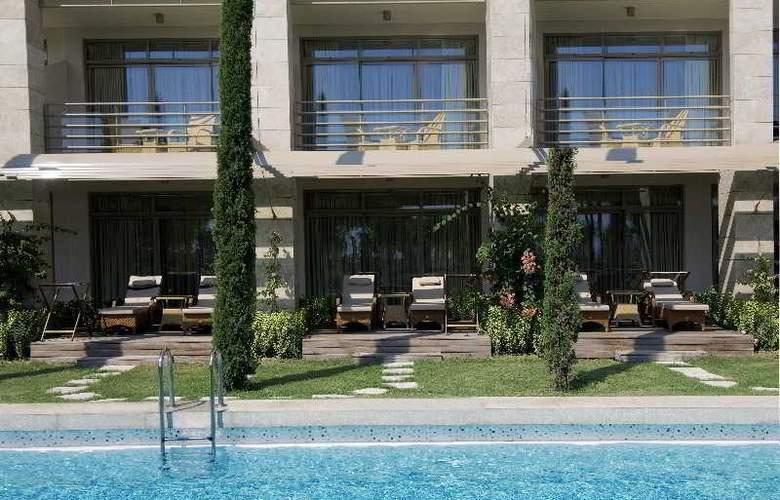 Gloria Serenity Resort - Pool - 21