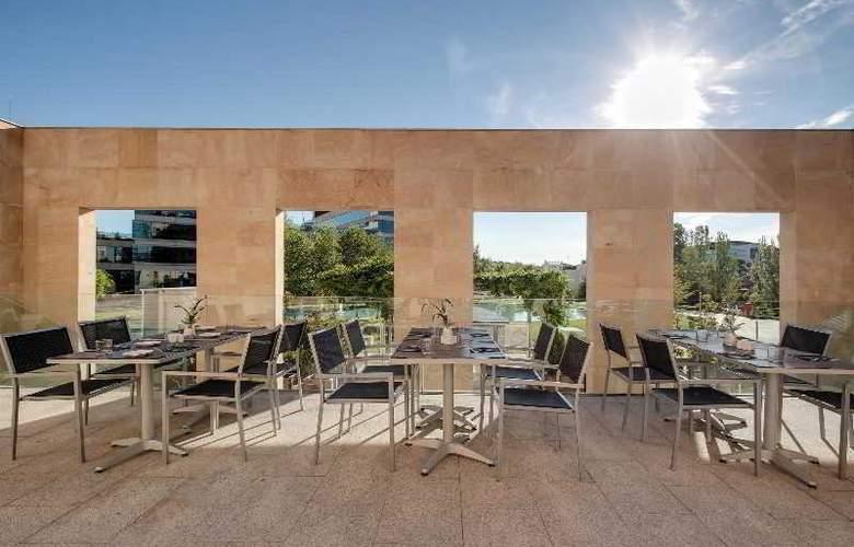 Rafaelhoteles Madrid Norte - Terrace - 50