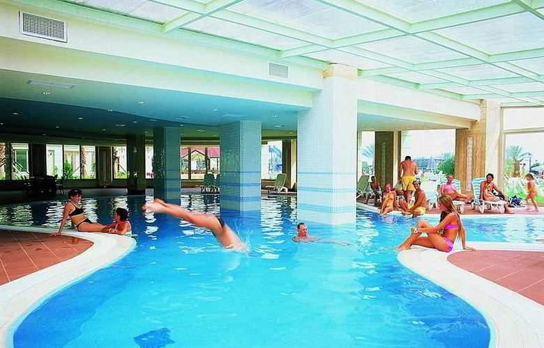 Terrace Beach Resort - Pool - 2