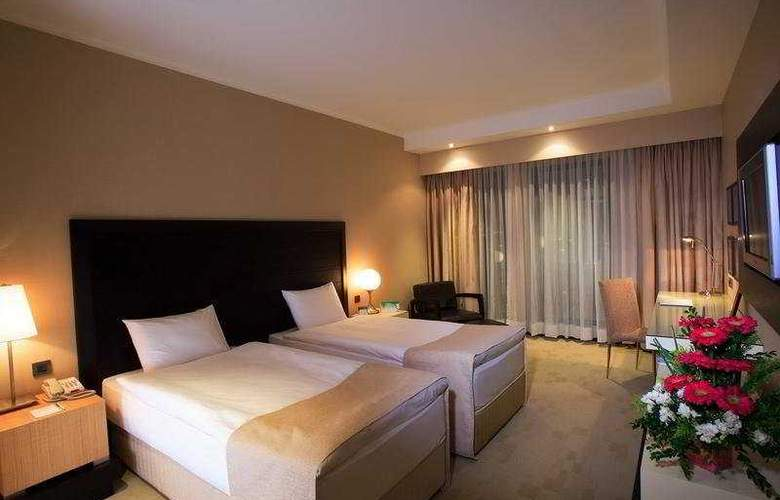 Holiday Inn Istanbul Airport - Room - 5