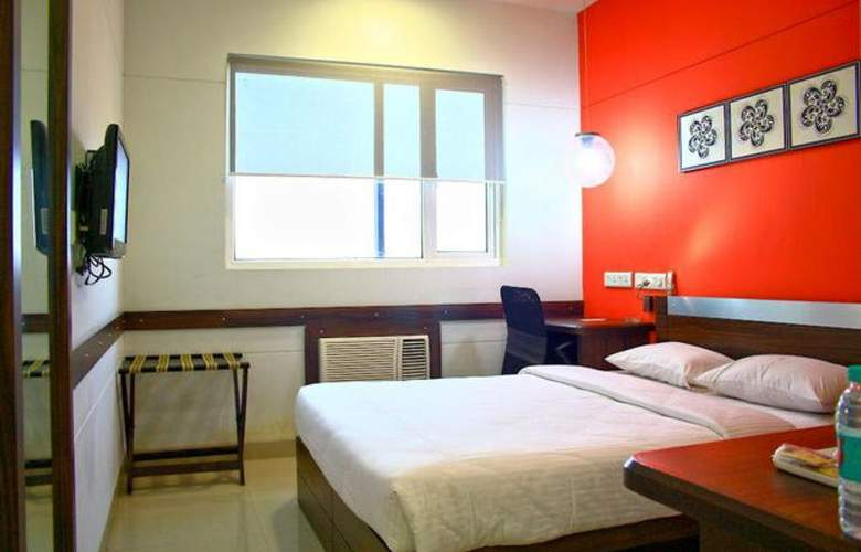 Ginger Manesar - Room - 6