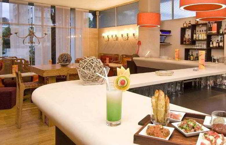 Carlton Hotel - Bar - 6