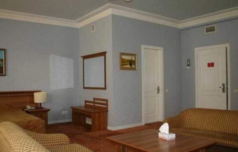Caspian Palace - Room - 8