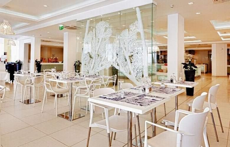 db Seabank Resort + Spa - Restaurant - 7