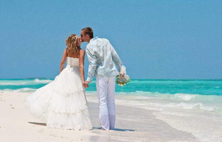 Palm Beach Resort & Spa Maldives - Hotel - 22
