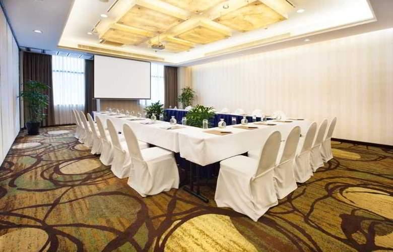 Saigon Prince - Conference - 27