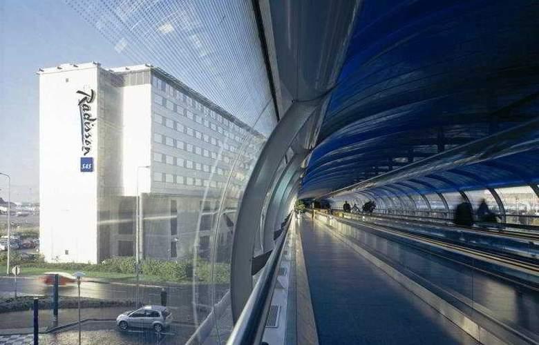 Radisson Blu Hotel Manchester Airport - General - 4