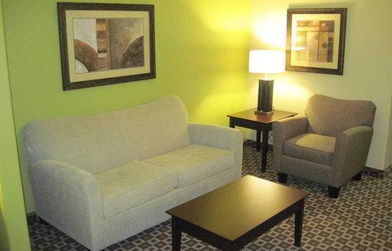 Best Western Plus Chalmette Hotel - Hotel - 1