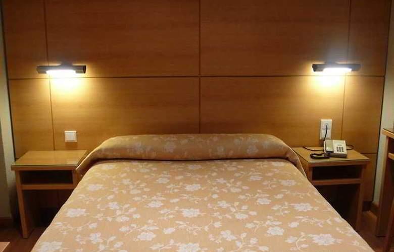 Serrano - Room - 5