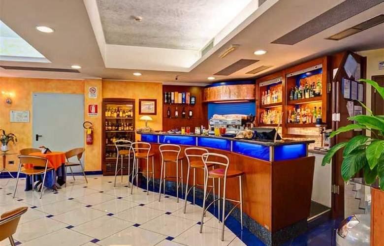Best Western Blu Hotel Roma - Bar - 83