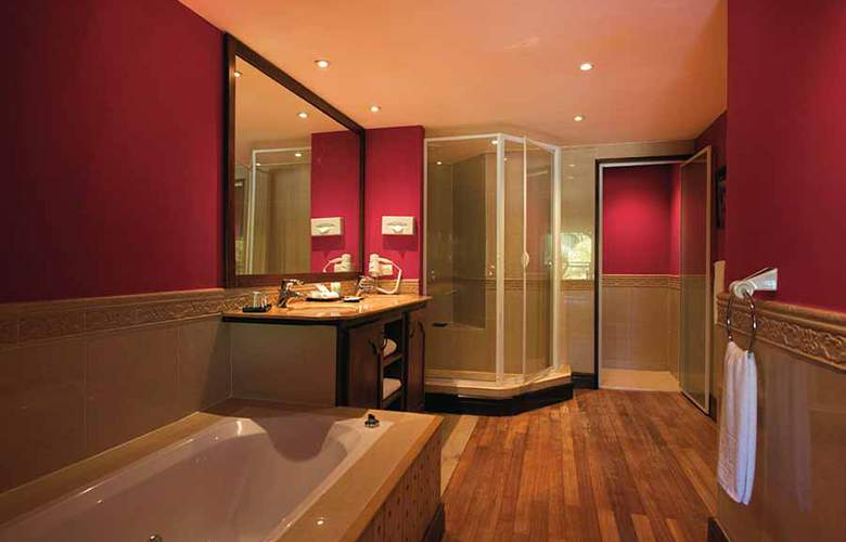 Hotel Riu Creole - Room - 17