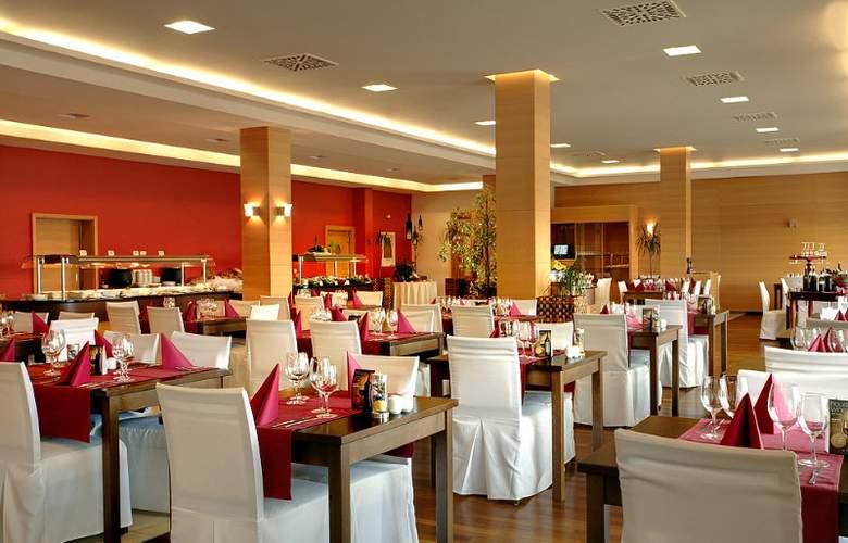 Luna Island Hotel - Restaurant - 17