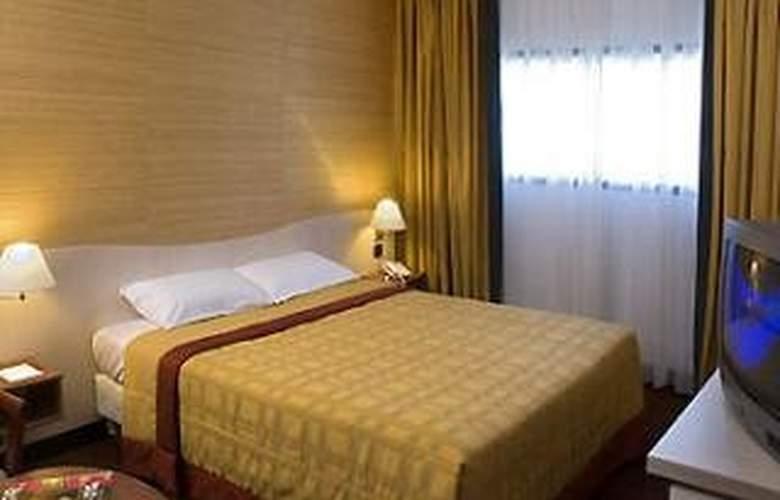 Mercure Orly Aeroport - Room - 7