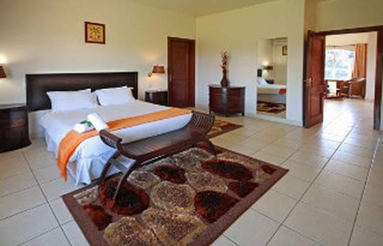 Fabz Estate & Restaurant - Room - 3
