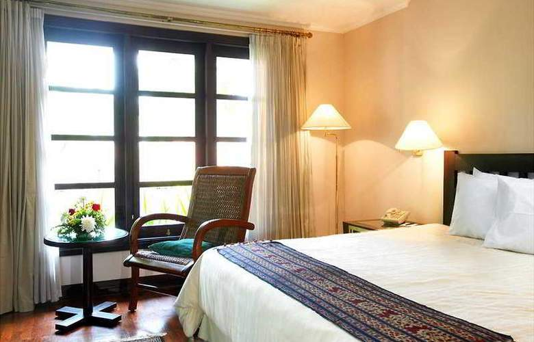Singgasana Surabaya - Room - 4
