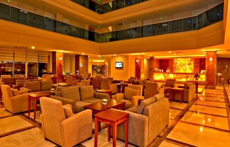 Ramada Resort Side - Bar - 26