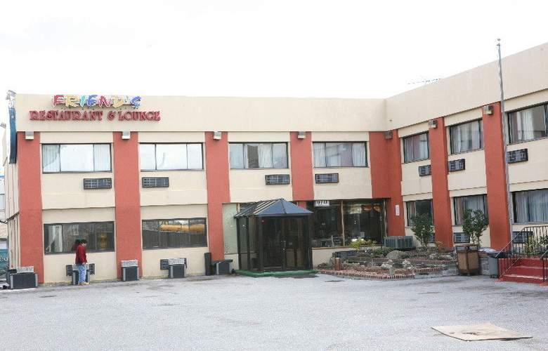 The JFK Inn - Hotel - 3
