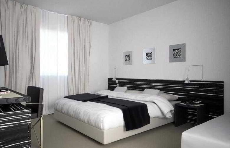 G Hotel - Room - 1