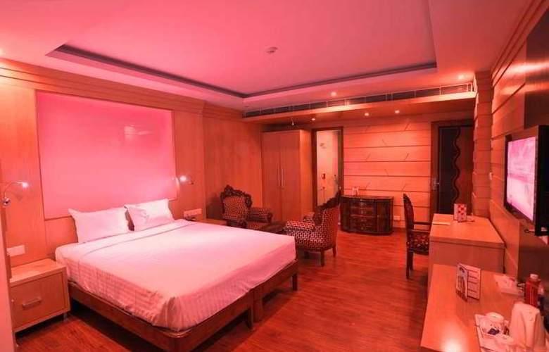 Emarald Hotel - Room - 2