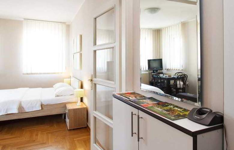 Cozy Studio no.8 near BOHEMIAN SKADARLIJA Street! - Room - 17